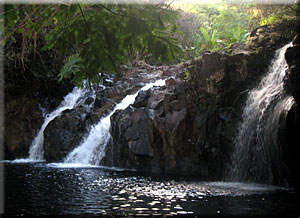 hawaii_retreat_water_fall
